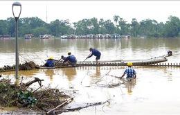 Quảng Bình, TT-Huế huy động lực lượng tổng vệ sinh môi trường sau mưa lũ