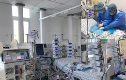 Chạy ECMO cứu trẻ sơ sinh hậu phẫu tim bẩm sinh phức tạp