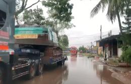 Tạm dừng dùng cơ giới để mở đường vào Rào Trăng 3 do mưa lớn