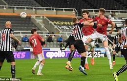 Newcastle 1-4 Man Utd: Bùng nổ cuối trận!