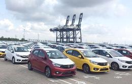 """Hãng xe """"chạy nước rút"""" cuối năm, ô tô Indonesia về Việt Nam giá rẻ giật mình"""
