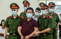 12 tháng tù giam cho chủ quán bắt khách quỳ xin lỗi
