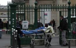 """Đối phó nguy cơ gia tăng số ca mắc COVID-19, các bệnh viện Pháp """"bật"""" chế độ khủng hoảng"""