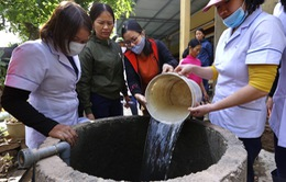 Sau lũ, nỗi lo lớn nhất của người dân miền Trung là ô nhiễm, dịch bệnh