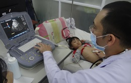 Trái tim cho em khám tầm soát tim bẩm sinh cho gần 1.500 trẻ em tại Phú Yên