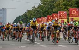 Lê Nguyệt Minh xuất sắc giữ áo xanh, Loic Desriac bảo vệ áo vàng sau 4 chặng đua