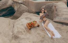 """""""Nhức mắt"""" với bộ ảnh bikini cực gợi cảm mà Quỳnh Nga mới khoe"""