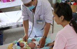 Hạ thân nhiệt cứu bé sơ sinh thiếu máu cục bộ, não thiếu oxy