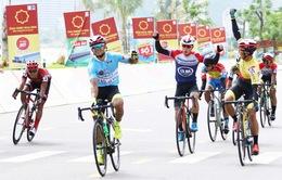 Chặng 7 Giải xe đạp VTV Cúp Tôn Hoa Sen 2020: Lê Nguyệt Minh nước rút xuất sắc về đích
