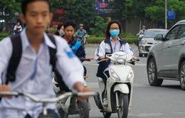 Học sinh đi xe máy, vi phạm giao thông nhiều, lỗi tại người lớn!