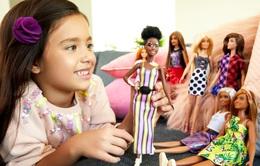 Chơi búp bê giúp trẻ em phát triển sự đồng cảm và kỹ năng xã hội