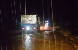 Khẩn trương ứng phó vùng áp thấp mạnh lên gây mưa lớn