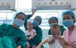 Tin nóng đầu ngày 7/10: Chị em Song Nhi chuẩn bị xuất viện
