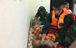 Cứu hộ thành công 5 thuyền viên bị nạn trên biển