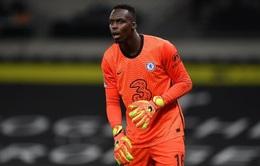 Vừa ra mắt tại Chelsea, thủ thành Mendy đã dính chấn thương