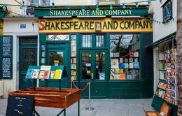 """Cửa hàng sách """"huyền thoại"""" ở Paris (Pháp) """"thoi thóp"""" vì COVID-19"""