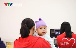 Trái tim cho em tầm soát bệnh tim bẩm sinh cho 1.800 em nhỏ