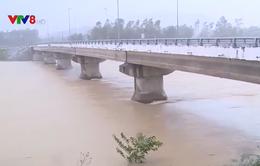 Bình Định khắc phục các điểm sạt lở do mưa lớn