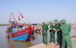 Các tỉnh miền Trung khẩn cấp sơ tán dân, cấm biển