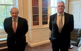 Thủ tướng Anh tự cách ly vì tiếp xúc người mắc COVID-19