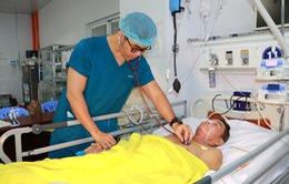Bắc cầu động mạch hồi sinh đôi chân cho bệnh nhân