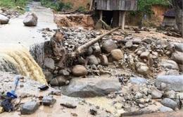 Sạt lở đe dọa nhiều hộ dân Quảng Ngãi