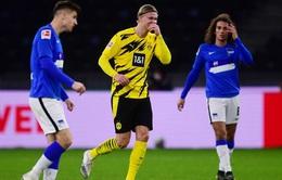 Hertha Berlin 2-5 Dortmund: Haaland lập poker, Moukoko đi vào lịch sử