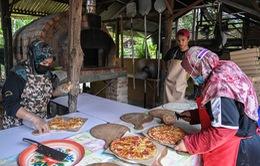 Malaysia: Vượt khó thời dịch COVID-19 nhờ ý tưởng nhà hàng pizza tại gia