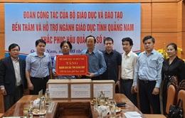 Bộ GD&ĐT trao quà gần 10 tỷ đồng cho ngành Giáo dục 4 tỉnh miền Trung