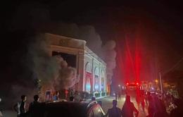 Quán bar bốc cháy ngùn ngụt, 3 nữ dancer tử vong