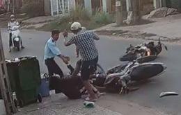 Bộ GD-ĐT đề nghị xử lý nghiêm hành vi hành hung nữ sinh sau va chạm giao thông