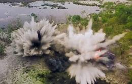 Hủy nổ hàng trăm quả đạn, rocket sót lại trong hầm vũ khí chiến tranh