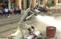 Ấn tượng robot cứu hỏa do học sinh chế tạo với nhiều tính năng vượt trội