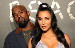 """Kim Kardashian """"kiệt sức"""" vì cuộc hôn nhân với Kanye West"""
