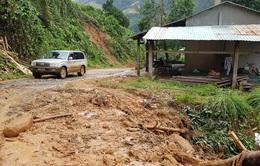 Quảng Nam khẩn cấp di dời người dân khỏi khu vực sạt lở