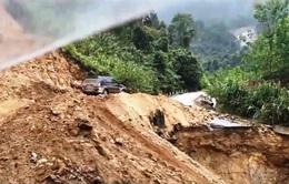 Liên tục sạt lở đường, Quảng Nam ban bố tình huống khẩn cấp