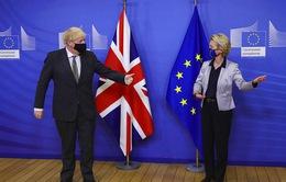 Anh và EU nhất trí tiếp tục đàm phán sau hạn chót