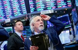 Chứng khoán Mỹ sụt giảm mạnh phiên đầu tuần