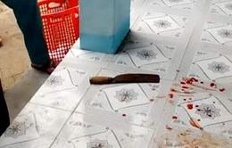 Nữ giáo viên dùng dao tấn công đồng nghiệp