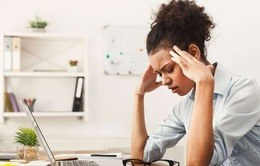 7 thói quen làm việc tại nhà bào mòn sức khỏe của bạn