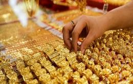 """Giá vàng tiếp tục tăng """"dựng đứng"""""""