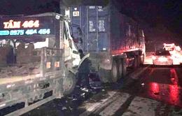 Vì sao xảy ra tai nạn giao thông liên tiếp trên cao tốc Nội Bài - Lào Cai?