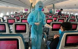 Hành khách đi máy bay giảm hơn 40% trong năm 2020
