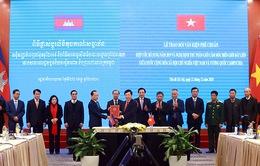 Phê chuẩn 2 văn kiện pháp lý về cắm mốc biên giới đất liền Việt Nam - Campuchia
