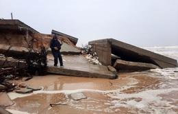 Bờ biển Tam Hải tiếp tục sạt lở nghiêm trọng