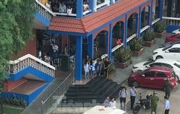 Nam thanh niên rơi từ tầng 4 trường đại học xuống đất tử vong