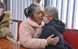 Nữ điều dưỡng giúp bệnh nhân trong khu cách ly COVID-19 tìm thấy gia đình sau 24 năm lưu lạc