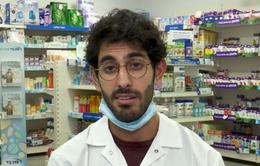 Dược sĩ Israel nhập viện vì vô tình tiêm quá liều vaccine COVID-19