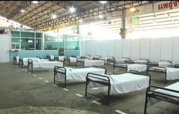 Thái Lan dựng bệnh viện dã chiến ứng phó với làn sóng COVID-19 mới
