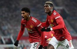 """Man Utd 1-0 Wolverhampton: Vỡ òa phút bù giờ, """"Quỷ đỏ"""" áp sát ngôi đầu"""
